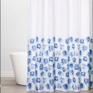 NWT Shower Curtain -Creeping Floral